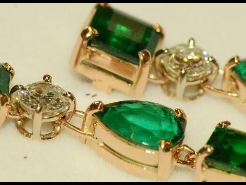 Emeralds and diamonds handmade 18k red gold earrings