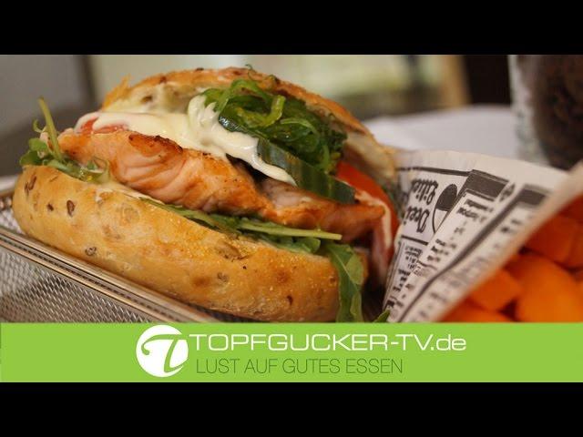 Waldpark - Bagel - Burger mit Lachssteak, Meergrassalat und Wasabidip, Süßkartoffel-Pommes Frites | Rezeptempfehlung Topfgucker-TV