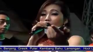 Download lagu Via Vallen Kanggo Riko Omega Live Pelemwatu Menganti Gresik 2015 Mp3