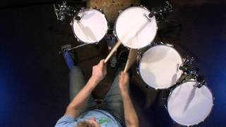 Tuning Your Toms - Drum Lesson (DRUMEO)