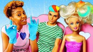 Jogos de meninas - Barbie e Ken no salão de beleza. Bonecas Barbie em Português Brasil. Vídeos de brinquedos .