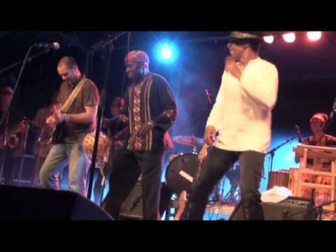 Walko featuring Kiala, live at Festival Soleils Bleus 2010