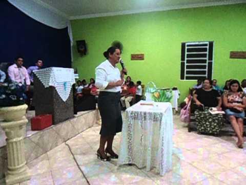 Missionaria Vania pregando em campanha de libertação  Deus muda o cativeiro de Jó  Jó 42 10