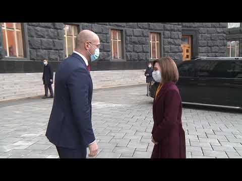 Президент Республики Молдова Майя Санду обсудила двусторонние актуальные вопросы с Премьер-министром Украины