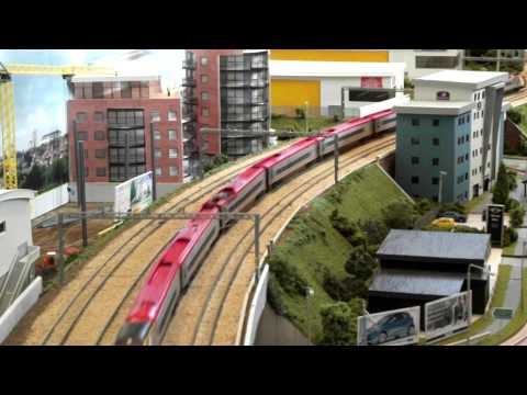 Scratchbuilt N gauge Pendolino on Ring Road
