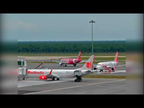 [VIDEO] Cermin Depan Pesawat Retak