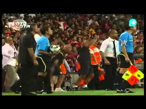 Messi se burla de Mourinho mp4 (видео)