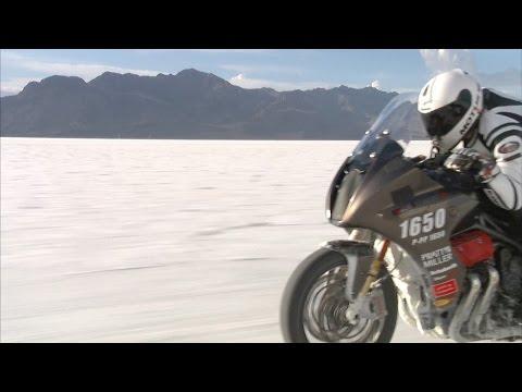 Vídeos de 'La Motus MSTR bate con 271 km/h el récord de velocidad por tierra'