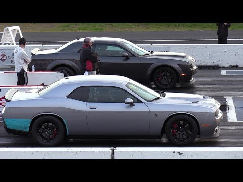 The Difference Between Demon And Hellcat - 1/4 Mile Drag Race