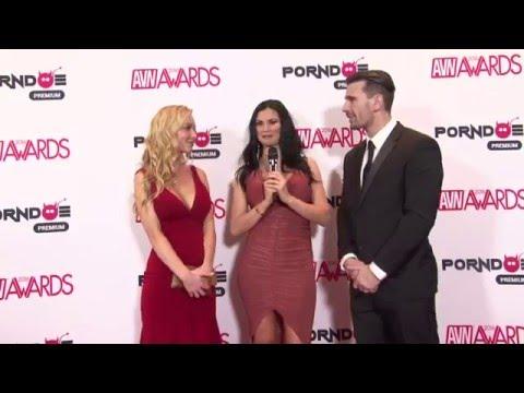 PornDoe Premium interview with Kayden Kros and Manuel Ferrara @ the AVN Awards 2016 (видео)