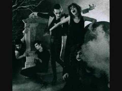 Tekst piosenki 45 Grave - Black Cross po polsku