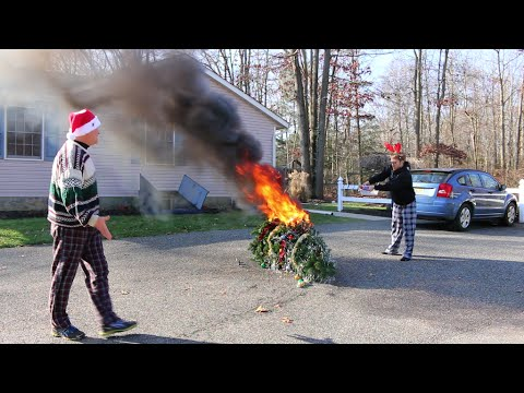 psycho - An angry gamer sets fire to the family Christmas tree because he doesn't get a Wii U. Want more videos like this one, check out the Psycho Series: http://www...