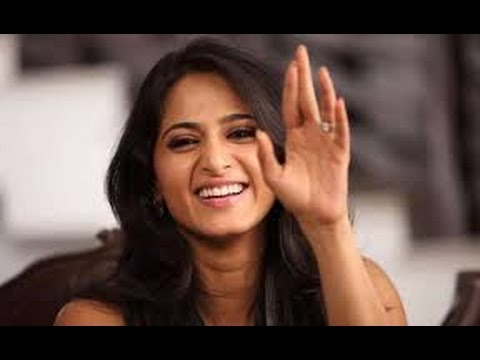 Actress Anushka's Nude Video In Internet Makes Tension