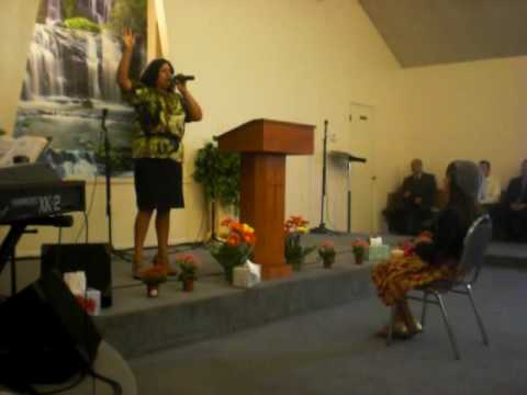 claudia loya singing llueve at prayer tabernacle apostolic church