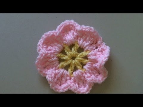 How to crochet a flower tutorial / Easy primrose flower -  rosa en crochet (tambien en espanol)