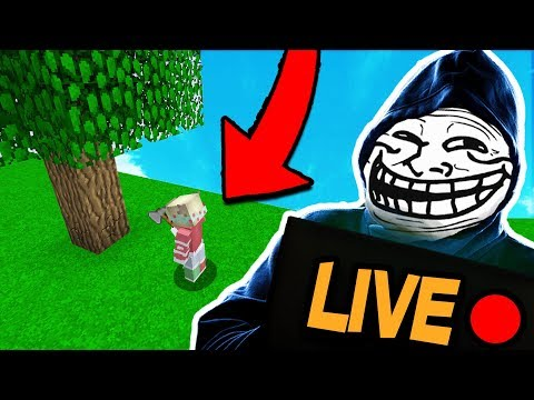 TROLLING YOUTUBER WHILE HE IS LIVE STREAMING (Minecraft Trolling) (видео)