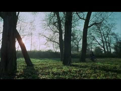 Download Don't Look Now - Opening Scene HD Mp4 3GP Video and MP3