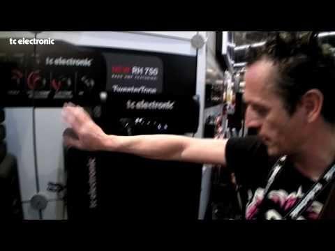 Frowin Ickler und der Blacksmith Bass-Amp von TC Electronic