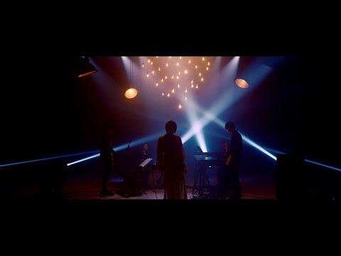 , title : '佐藤千亜妃 - キスをする [STUDIO LIVE]'