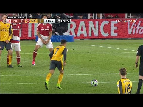 Video: Sanchez's stunning free kick puts Arsenal in front of Middlesbrough