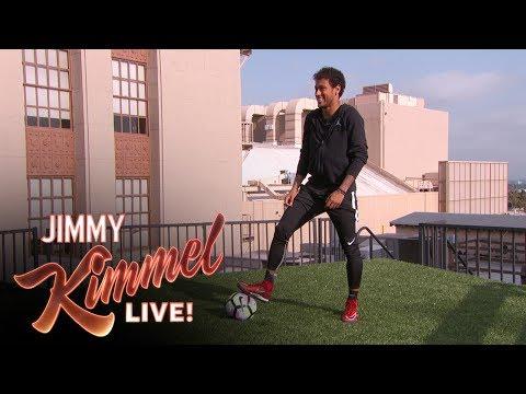 Neymar Jr. maalaa talon katolta toiselle Jimmy Kimmelissä