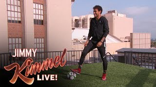Video Neymar Jr. Attempts Terrifying Shot from Jimmy Kimmel's Roof MP3, 3GP, MP4, WEBM, AVI, FLV Agustus 2018