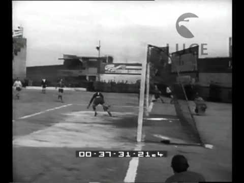 genoa - messina: campionato di calcio 1952 dall'istituto luce