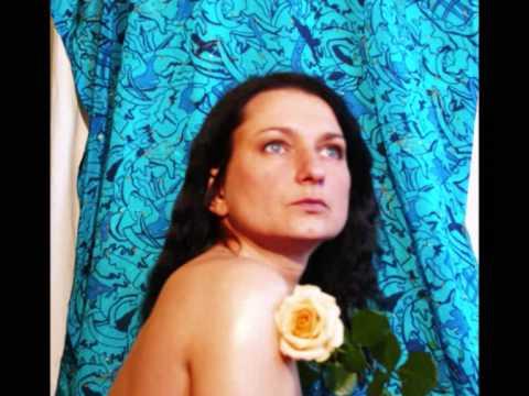 Tekst piosenki Agnieszka Osiecka - Bossa Nova Do Poduszki po polsku