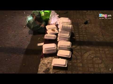 Người phát cơm từ thiện bị đâm chết giữa giao lộ