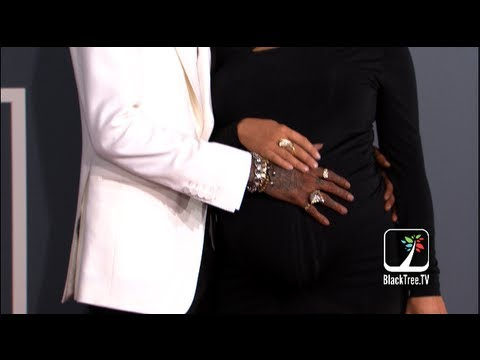Wiz Khalifa holds Amber Rose pregnant belly on Grammy Red Carpet & Taylor Swift