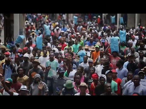 Haiti: Demonstranten fordern Rücktritt von Präsident  ...