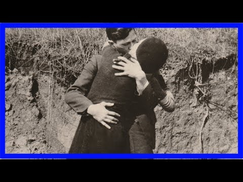 Unearthed photo shows bonnie and clyde's embrace right before bloody death