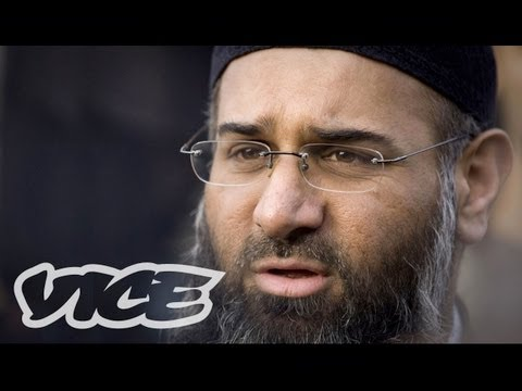 islamic - Anjem Choudary wants to turn Buckingham Palace into a mosque, impose Sharia law in the UK, and destroy the porn, gambling, and alcohol industries. Watch
