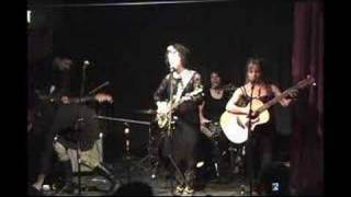 Loretta Lynch Sings Wayfaring Stranger And Ode To Suicide