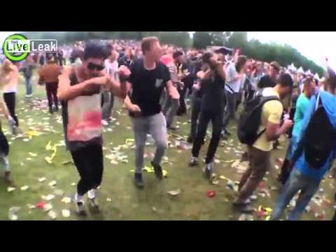 Hipsters Dance to Yakety Sax