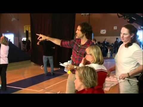 Glee - The Sue Sylvester Bowl Shuffle - B-Roll (видео)