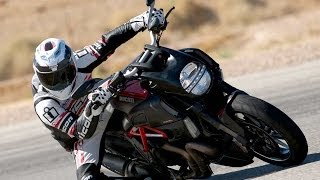 10. 2011 Ducati Diavel - Streetfighter Shootout Part 1 - MotoUSA