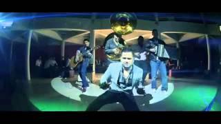 Yo Le Quito Lo Fresa!! Roberto Junior y su Bandeño