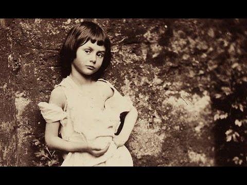 Alice no País das Maravilhas é totalmente infantil?   Real x Ficcional