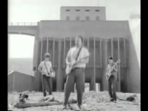 Minutemen - This Ain't No Picnic