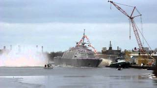 Marinette (WI) United States  City pictures : LCS-3 USS Fort Worth Launch - Marinette, WI - Dec 4, 2010