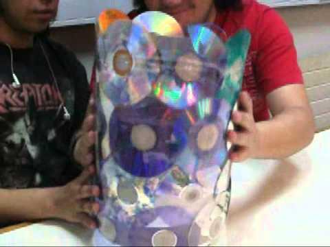 hacer un cesto de basura con CD reciclados