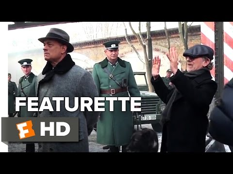 Bridge of Spies (Featurette 'Steven Spielberg and Tom Hanks Collaboration')