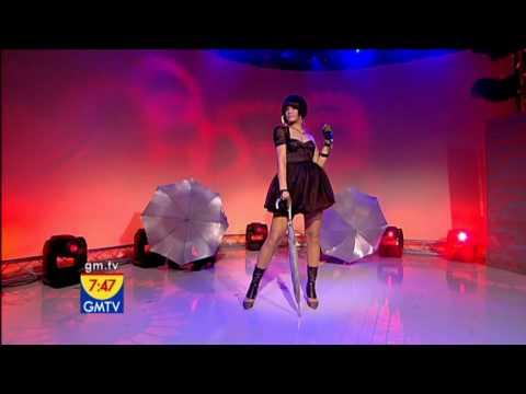 Rihanna - Umbrella (GMTV 22.05.2007) HD