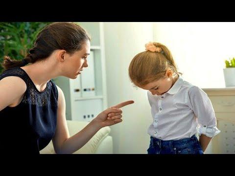 LES PARENTS AIMAIENT BEAUCOUP L'UNE DES DEUX FILLES, ET DÉTESTAIENT L'AUTRE. MAIS PLUS TARD ...