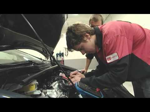 automotive technician - Jack Tomlin is a keen car enthusiast so the opportunity to go behind the scenes at a large Toyota dealership in Porirua and learn more about some of the late...
