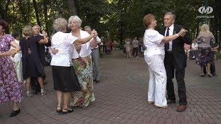 До скверу – на танці