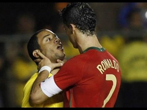 ri soccer_fight - Hey guys hope you like my new Cristiano Ronaldo Video about his best fights.... Special thanks to: SY Production....Check out my Facebook page: https://www.f...
