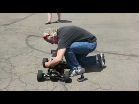 mit Robot Electronics Autonomy - Paul Breed runs his autonomous car around the Sparkfun building. This was his second run of 3, and the only one that made it all the way around the course. I...