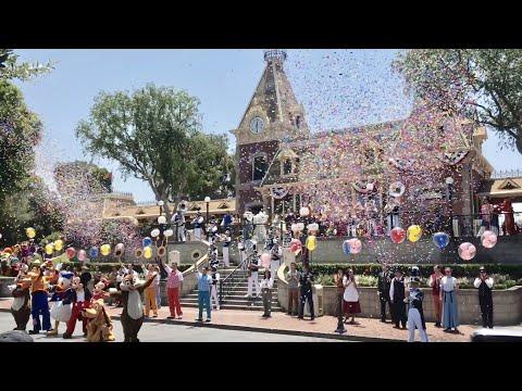 TDW 1843 - Disneyland 62nd Anniversary Celebration !